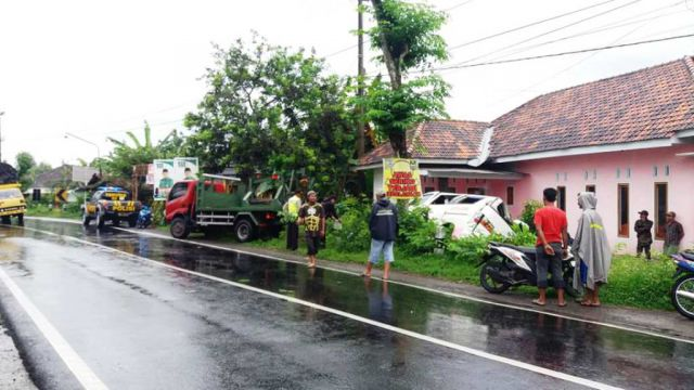 Jalan Licin dan Angker Jalur Tukum Rawan Kecelakaan