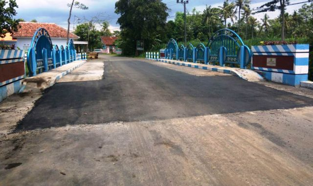 Sempat Ambles Jembatan Desa Kalidilem Selesai Diperbaiki