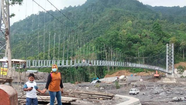 Jembatan Layang Terpanjang di Jatim Membentang di Kaki Semeru Lumajang