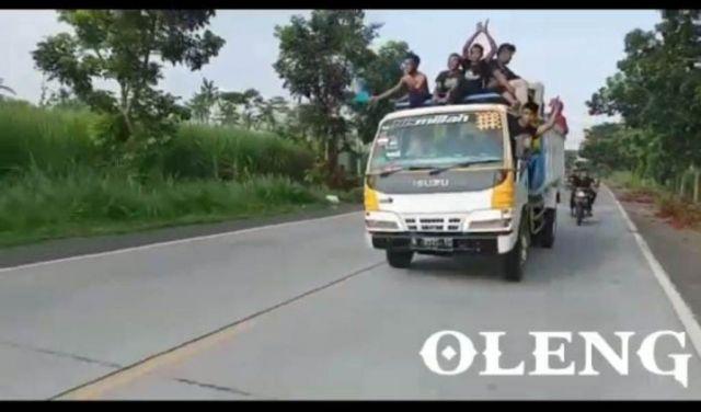 Viral Video Truk Oleng di JLS Lumajang, Polisi Segera Panggil Sopirnya