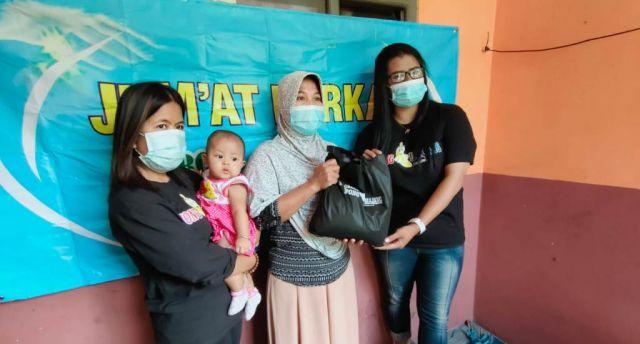Grup Facebook Wong Lumajang Gelar Baksos Jum'at Berkah di Tanggung
