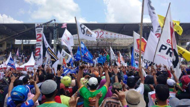 Kampanye Terbuka di Lumajang, Sandi Orasi 2019 Ganti Presiden dan Lunas Hutang
