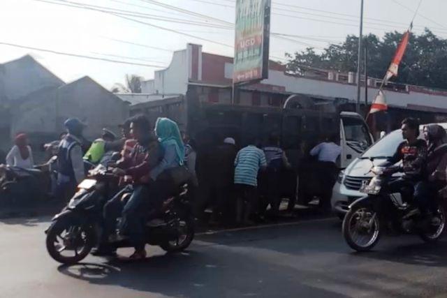 Tertib, Karnaval Klakah Tak Timbulkan Kemacetan