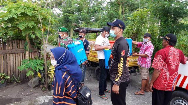 Karang Taruna Desa Lempeni Lumajang Aktif Ikut Cegah Penyebaran Corona