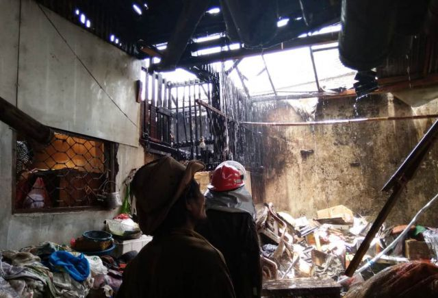 Lupa Matikan Tungku Dapur Warga Senduro Hangus Terbakar