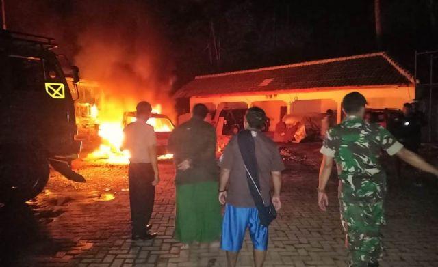 Pickup Bermuatan BBM Terbakar di SPBU Wonorejo Lumajang