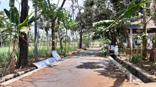 Lokasi Rumah Korban Pelemparan Batu Jadi Jalan Oreng Alakoh Malem