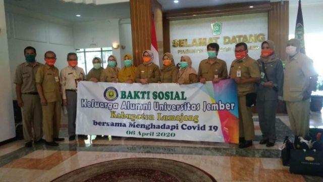 Keluarga Alumni Unej Kabupaten Lumajang Bantu APD dan Masker