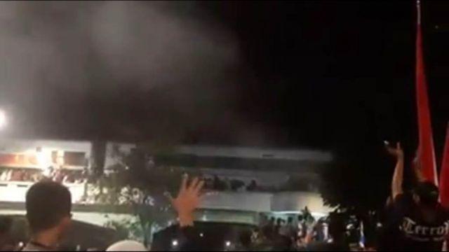 Tragedi Korban Jatuh Saat Drama Kolosal Hari Pahlawan di Surabaya