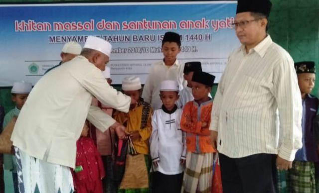 Ponpes Miful Bakid Gelar Khitan Massal dan Santunan Anak Yatim