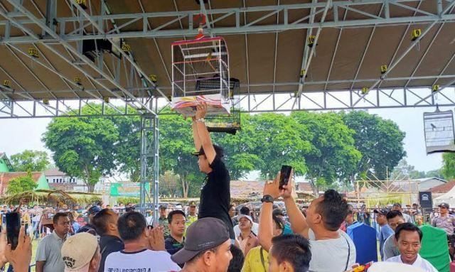 Lomba Kicau Burung Arya Wiraraja IV Dikuti Ratusan Peserta Jawa Bali
