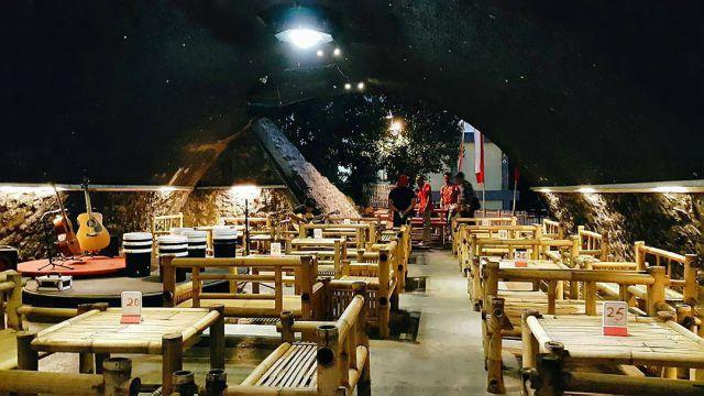 Ide Cemerlang Johanes,  Mengubah Kolong Jembatan Jadi Kafe