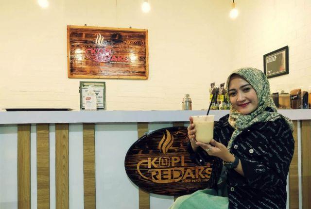Hem.! Nikmatnya Banana Coffee Latte di Kopi Redaksi Lumajang