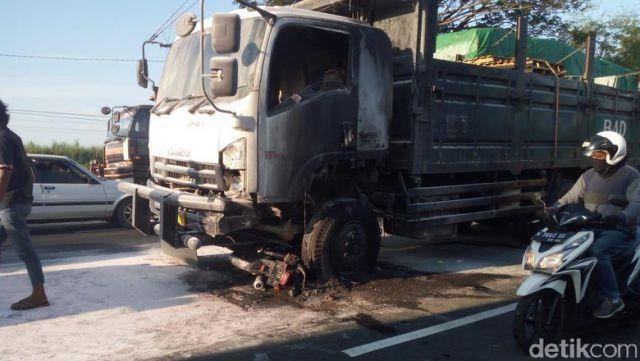 Mudik ke Lumajang, Warga Senduro Meninggal Terseret Truck di Probolinggo