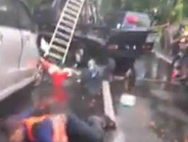 Kecelakaan Beruntun Libatkan 3 Kendaraan di Jalur Maut Tekung Lumajang