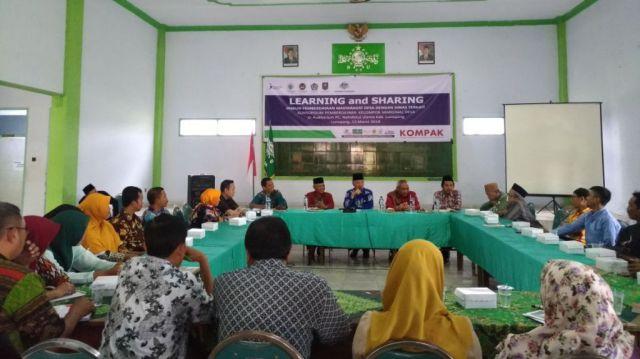 Plt. Bupati dr. Buntaran Buka Diskusi Lakpesdam NU Lumajang