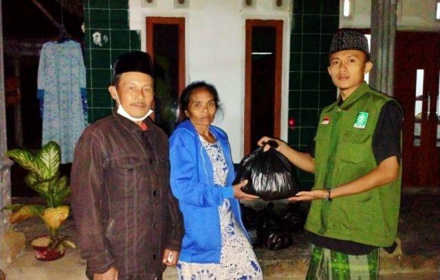 Tim NU Peduli Siapkan Makan Buka dan Sahur Korban Gempa Lumajang