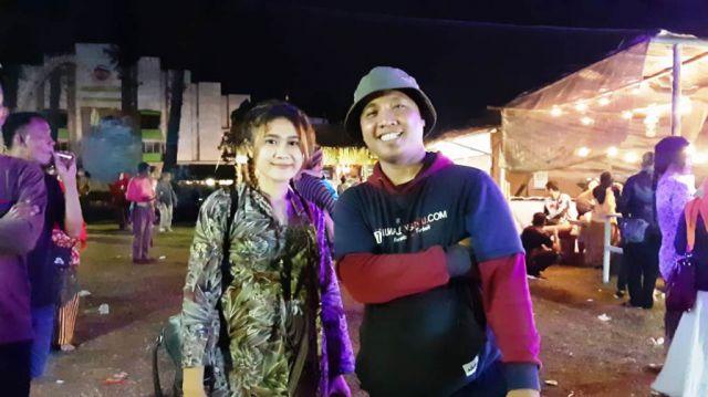 Pengunjung Antusias Berfoto Karo Wong Indo Mbiyen