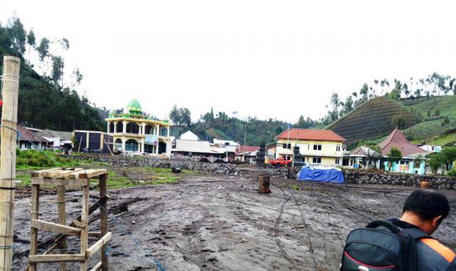 Banjir Lumpur Berpotensi Timbun dan Hilangkan Ranu Pani