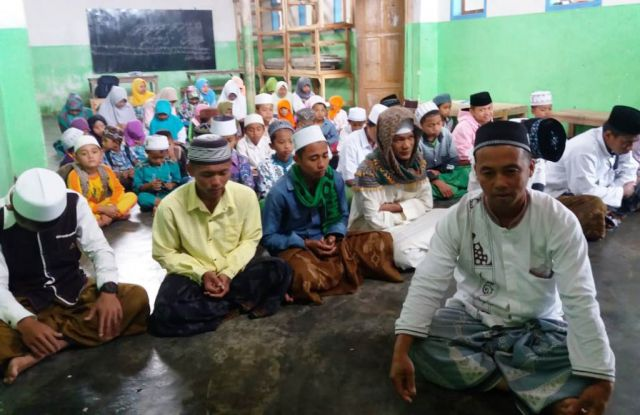 Perda Madin Dibahas DPRD, Para Santri di Lumajang Gelar Istighosah