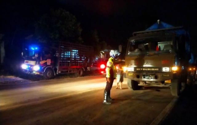 Truk Terguling di Malasan Sebabkan Kemacetan Panjang Hingga Lumajang