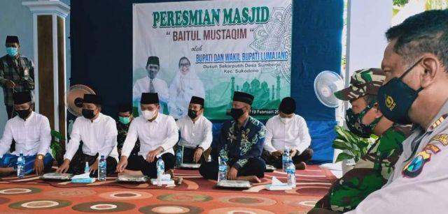 Cak Thoriq Resmikan Masjid Baitul Mustaqin Sumberejo Lumajang