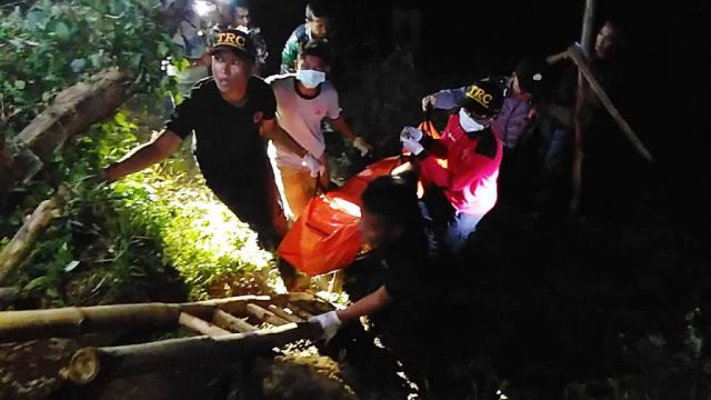 Mayat Perempuan Hampir Terbenam Lumpur di Sungai Bondoyudo Lumajang