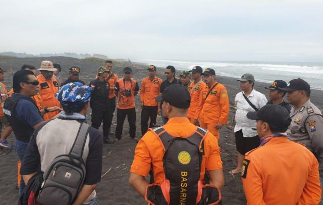 Diterjang Ombak, 1 Nelayan Jember Hilang di Pantai Meleman Lumajang