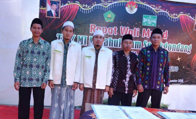 TK-MI Selokgondang Gandeng PGMI IAI Syarifuddin dan JAMQUR NU Lumajang