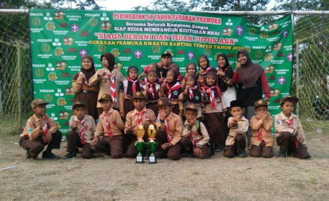 Mantab..! Persari, MI Nuris Tempeh Juara 6 Barung Terbaik se Kecamatan
