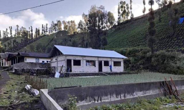 Pembangunan MI Thoriqul Huda Ranu Pani Lumajang Sudah 50 Persen