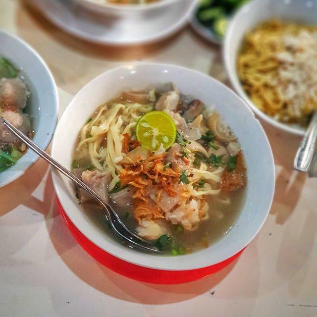 Kuliner Lumajang : Menikmati Cita Rasa Mi Kocok SKM Legendaris