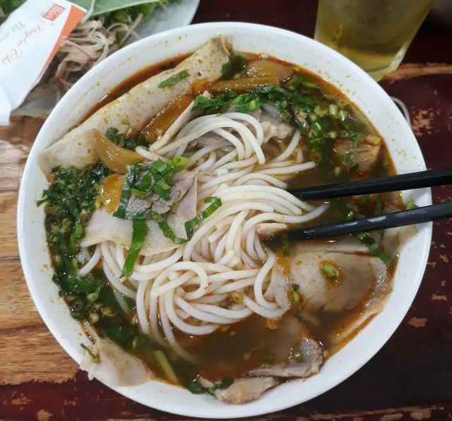 Menikmati Lezatnya Mie Vietnam di Cafe Teras Kali