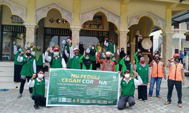 Satgas NU Padang Lumajang Aktif Semprot Disinfektan Masjid dan Musholl