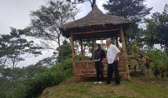 Oktafiyani Wakil Ketua DPRD Lumajang Pantau Kesiapan Venue Paralayang