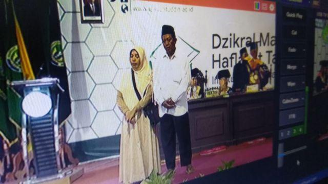 Ortu Almarhum Ruslich Mahasiswa IAI Syarifuddin Berurai Air Mata