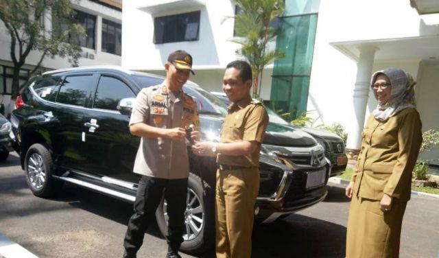 Pemkab Lumajang Bagi-bagi Mobil Pajero Sport untuk Muspida