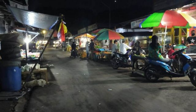 Pedagang Pasar Baru Lumajang Belum Patuhi Pembatasan Jam Berjualan