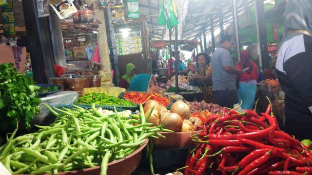 Harga Cabai di Pasar Baru Lumajang Bikin Pedas Dompet