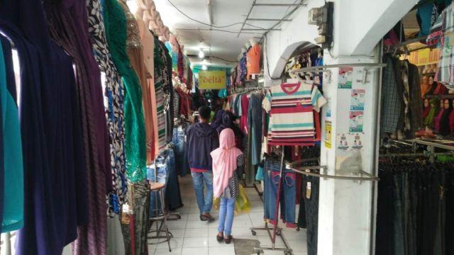 Pedagang Pasar Pasirian Lumajang Minta Kelonggaran Jam Buka Malam