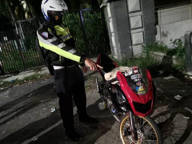 Patroli Sahur Satlantas Polres Lumajang Temukan 10 Motor Tak Standar