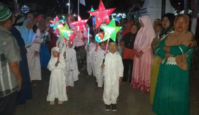 Pawai Lampion dan Santunan Anak Yatim TK Pembangunan VIII Kalidilem