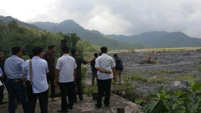 Komisi B DPRD Lumajang Lihat Akses Penyebrangan Warga Bondeli Selatan