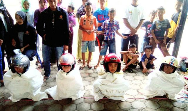 Serunya Lomba Balap Karung Mini Meriahkan HUT RI 72