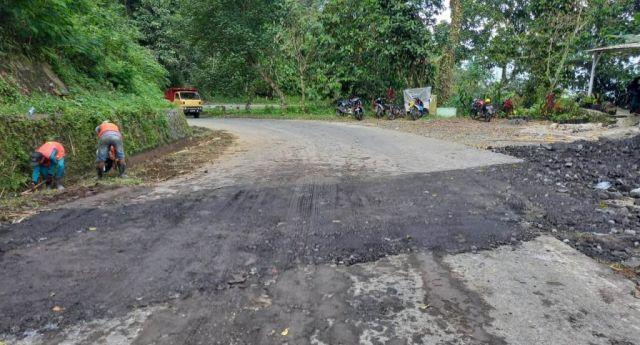 Lokasi Jalan Retak di Piket Nol Lumajang Pernah Longsor