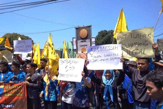#menolaklupa, PMII Lumajang Aksi 1.000 Hari Tragedi Salim Kancil