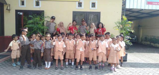 Polsek Tekung Terima Kunjungan TK Dharma Wanita Lumajang