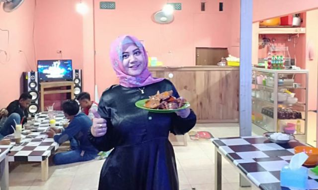 Hemm..! Lezatnya Masakan Kepiting Laut Ratu Hunny Bikin Ngiler