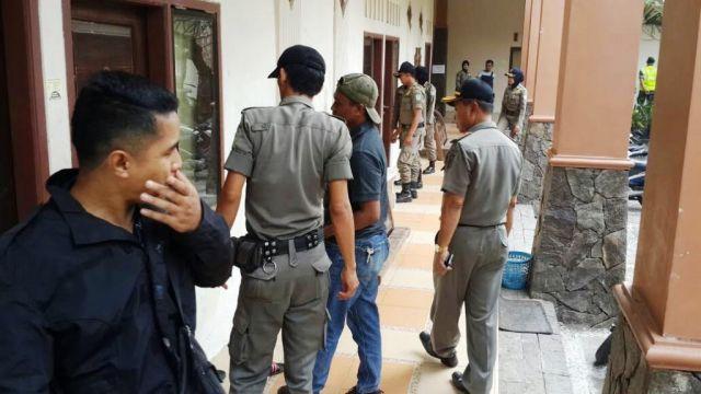 Razia Ramadhan, Satpol PP Temukan Rumah Kos Mesum di Tengah Kota Lumajang