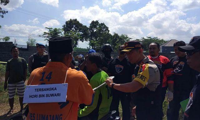 Polisi Rekonstruksi Pembunuhan Salah Sasaran Motif Gadai Istri Sombo Lumajang